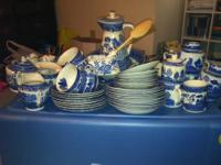Very large collection of Noritake Pursuit china, some