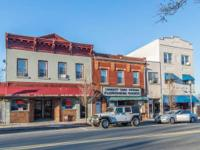 Commercial store front for rent in beautiful downtown