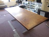We no longer have a need for this table. It is 3' by
