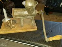 LARGE VINTAGE/ANTIQUE ALEXANDERWERK 22 MEAT GRINDER