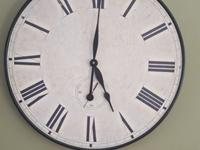 Large wall clock. Decorative piece. Hour Hand has not