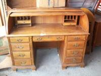 $300.00 / OBO Very heavy oak Rolltop Desk. Few dings on
