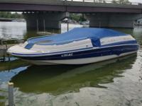 2001 deck boat, 24 foot, Volvo penta 250, new starter,