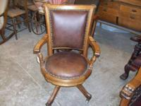 Really Beautiful Round Leather Seat - 1/4 Sawn Oak Has