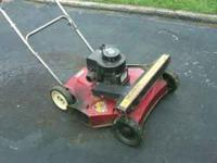 Self propelled Murray Gas mower 3.5HP Old but does a
