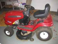 Craftsman lawn tractor, only used 3 years when owners