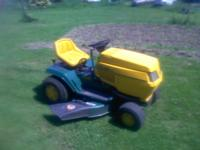 42 inch cut 14hp briggs , in very nice shape ,works