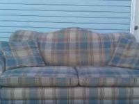 VERY GOOD QUALITY LAZY BOY SOFA This is a Lazy-Boy