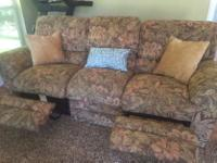 Type:FurnitureType:CouchVery comfortable full-sized