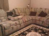 lazyboy 5pc sectional, has a few scratch marks on two