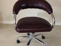 Very nice Leather Chairs that I have used for my Nail