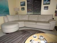 BEAUTIFUL IVORY COLORED CORNER SOFA IN GREAT