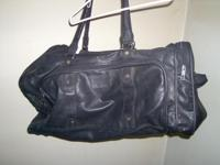 "23"" black leather duffle bag........(Boarder Brand)"