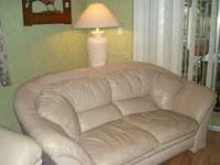Cypress Gardens area - Leather livingroom set: