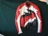 Men's Size Medium (48) Teknic leather riding jacket.