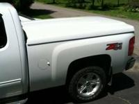 Selling a white 700 series Leer Tonneau Cover off my
