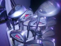 I have a set of mixed golf clubs with a like new golf