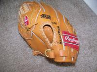 "This Rawlings leather youth 10"" glove is in LIKE-NEW"