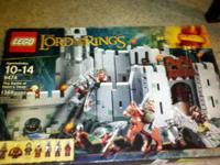 Selling Lego Lord of The Ring Battle of Helms Deep set