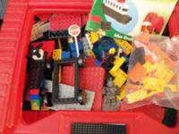 Like NEW Condition! 300+pcs. of lego's w/ carrying