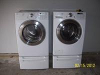 LG Tromm H.E. Washer & Gas Dryer With Pedestals LG