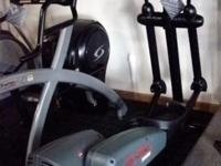 Life Fitness CT9500 Cross Trainer. Reconditioned/ 1