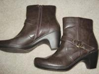 Life Stride Women's Boots - Size 10. Fresh. Looks even