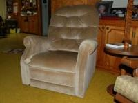 I am selling a very nice, lightly used Lift Chair. This