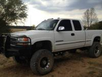 "2002 GMC Sierra 2500HD 4x4 Z71. Has a 8"" Fabtech Dirt"