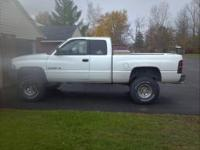 99 dodge ram 1500 ext cab 5.2 v8 with 170k mi. White in