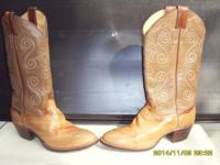 Light Brown Eel cowboy men's boots by Justin size 8 C.