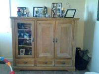 Amazing entertainment center in great condition. I was
