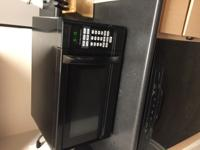 Selling my Hamilton Beach 1.1 cu ft Microwave (Black).