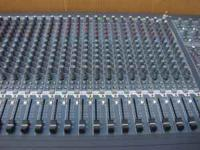 Extremely nice Peavey RQ 4332C mixer/soundboard ~ Like
