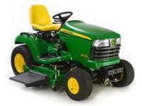 LIKE NEW RIDING JOHN DEERE X740 DIESEL. 2006. HAS LOW