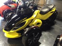 LIKE=NEW Pre-Owned 2014 Can-Am Spyder RSS in Sunburst
