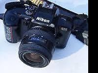 LIKE NEW 35MM NIKON N5005 CAMERA LIKE NEW. WITH TAMRON