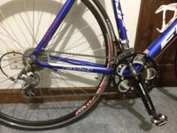 Like new 2012 Fuji Roubaix 3.0 Road Bike. I have just