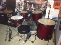 Christmas gift rarely used. Includes stool, snare,