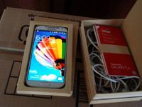 up for sale like new white Samsung galaxy s4 in box for