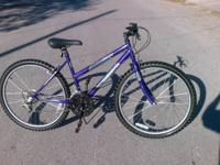 This is a womens ROADMASTER MOUNT FURY  mountain bike.