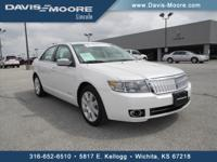 EPA 28 MPG Hwy/18 MPG City! CARFAX 1-Owner, Lincoln
