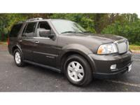 WOW look at this Amazing 2006 Lincoln Navigator. This