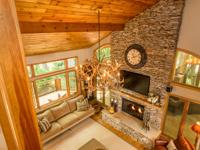 This quintessential mountain cottage can be summed up