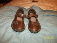 I have a pair of little girl size 9 shoes. They are in