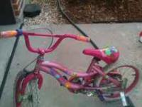 girls Barbie bike comes with training wheels perfect