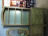 Bookcase/Dresser Combo. Excellent Condition. Includes
