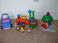 Excellent Condition! Car has sounds. Includes 5 Little