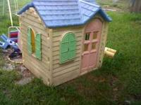 Little Tikes Country Cottage in excellent condition.