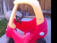 LITTLE TRIKES COZY COUPE IN GOOD WORKING CONDITION